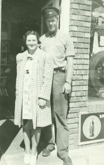 dad mom 1939 3